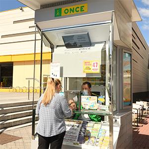 Foto de portada O.N.C.E. Stand - Plaza Emperador Carlos V - Estacion De Atocha Ave-Renfe - Puerta Superior Salidas(0) Nº 11222